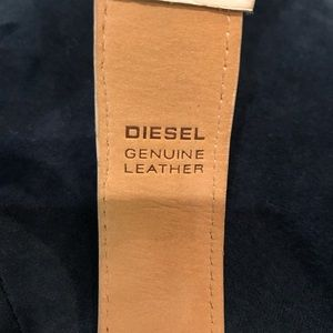 Diesel Accessories - Diesel white leather zipper watch